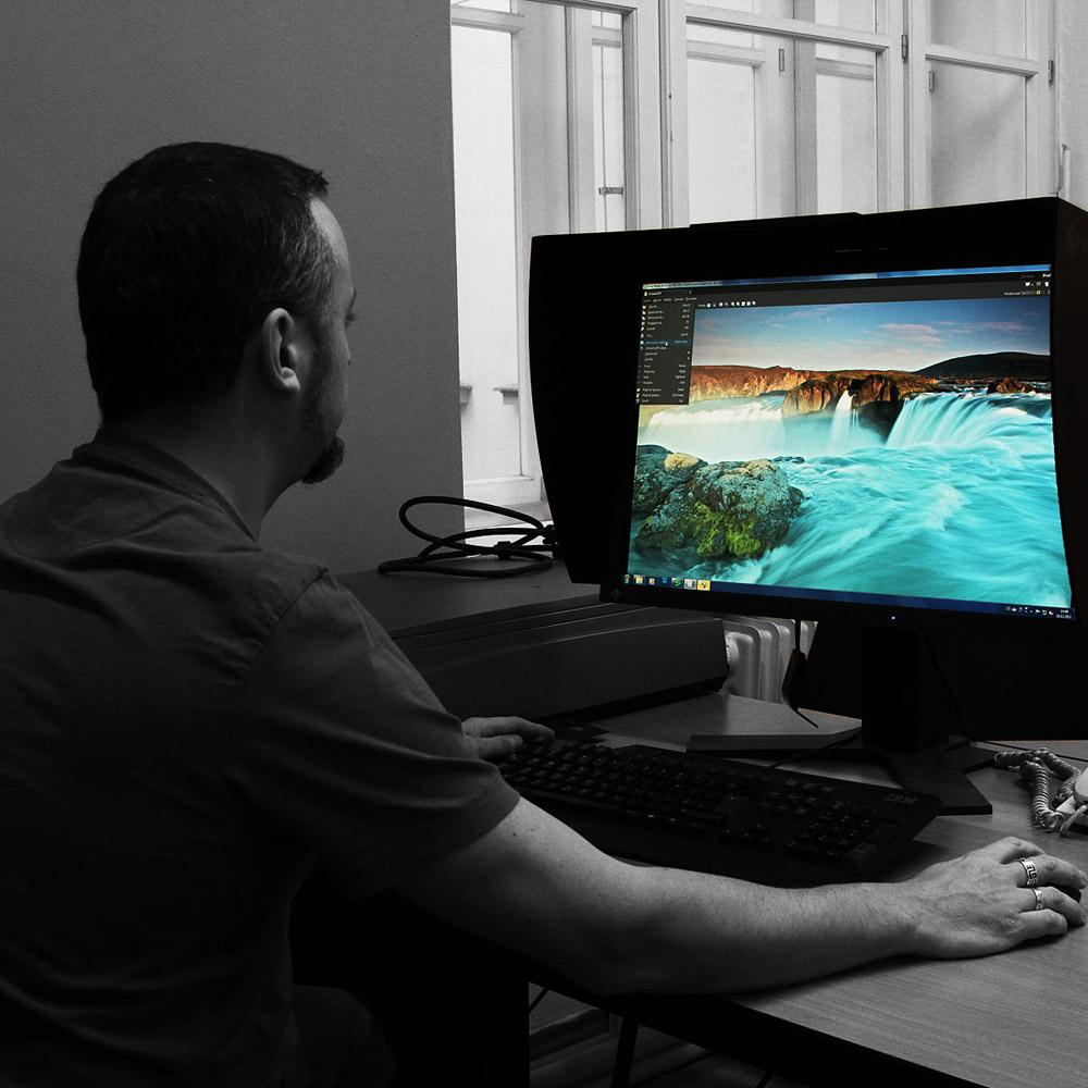 jak vyrábíme fotoobrazy (velkoformátový tisk + adjustace fotografií)